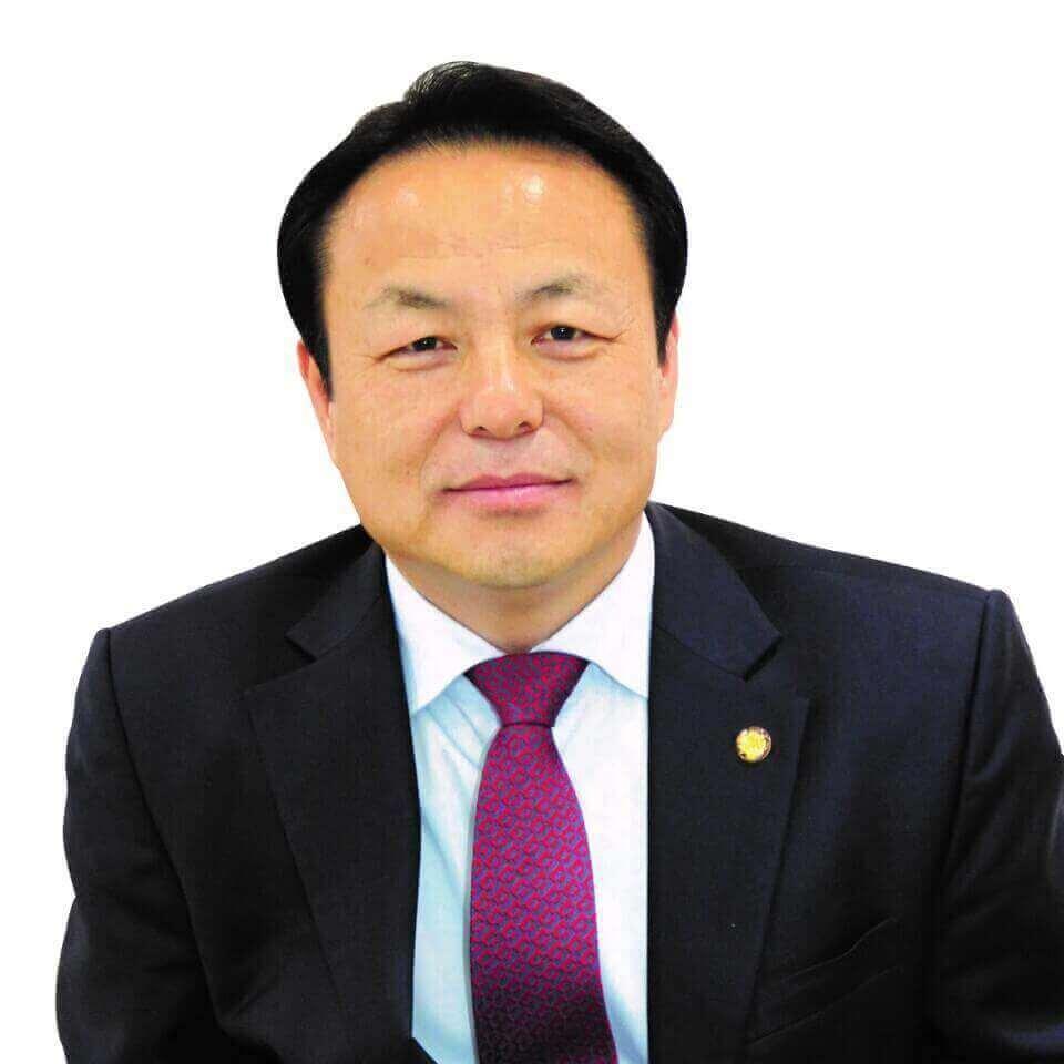 이현영 회장 증명사진4.jpg